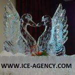 Two kissing swans for the Peter Phillips Royal Wedding - Ice Sculpture - Ice Carving | Ice Agency