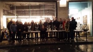 Live ice carving teambuilding in London for Christmas Teambuilding Event